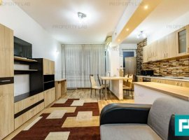 Apartament cu trei camere, de închiriat. Ared UTA.