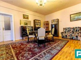 Apartament cu 4 camere în Boul Rosu
