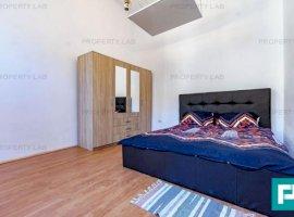 Apartament ultracentral, cu două camere, de închiriat.