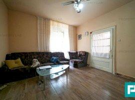 Apartament la casa cu 2 camere la PODGORIA