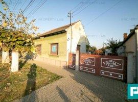 Casă cu 4 camere 1200 mp teren in  Aradul Nou