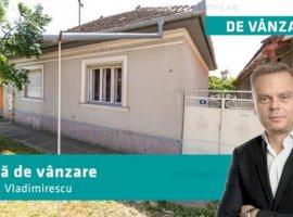 Casă cu 4 camere în Vladimirescu zonă liniștită