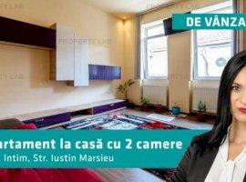 Apartament  2 camere la casă, zona Intim