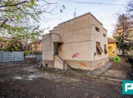 Vilă cu potential în zona Romanilor