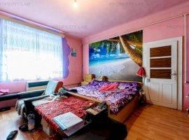 Casă spațioasă cu 4 camere în Sântana.