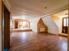 Apartament cu 5 camere la casă în Aradul Nou