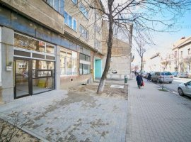 Spațiu cu vitrină și terasă ultracentral, pe strada Crișan