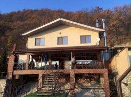 Vanzare  casa  1 camere Mehedinti, Dubova  - 330000 EURO