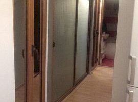 Vanzare  apartament  cu 3 camere  semidecomandat Galati, Galati  - 66000 EURO