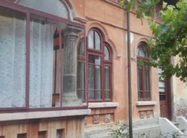 Vanzare  casa  5 camere Dambovita, Gura Ocnitei  - 30000 EURO