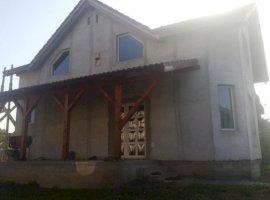 Vanzare  casa  3 camere Arad, Sanleani  - 92000 EURO