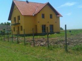 Vanzare  casa  4 camere Timis, Sannicolau Mare  - 75000 EURO