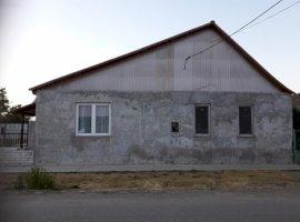Vanzare  casa  4 camere Timis, Lovrin  - 50000 EURO