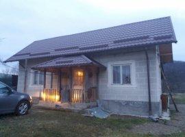 Vanzare  casa  2 camere Arges, Furesti  - 17784 EURO
