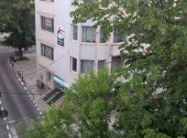 Vanzare  apartament  cu 3 camere  decomandat Galati, Galati  - 51000 EURO