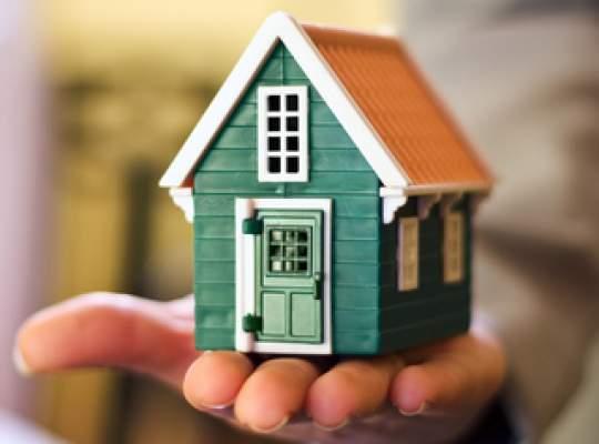 Costul ipotecarelor in lei este intre 4% şi 5% pe an la bancile mari