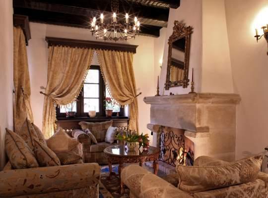 Arhitectura tradițională românească în cele mai frumoase conace boierești