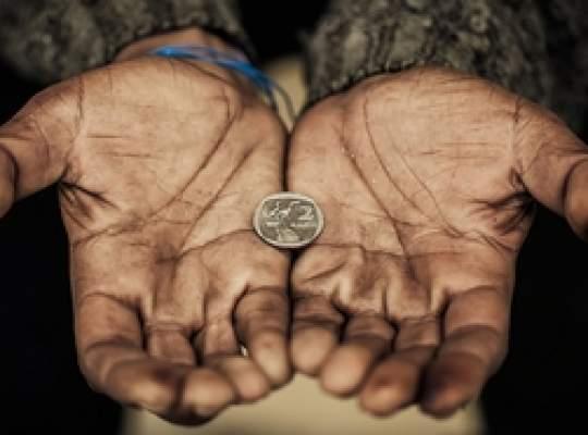 Românii, din nou la coada clasamentelor privind condiţiile de viaţă