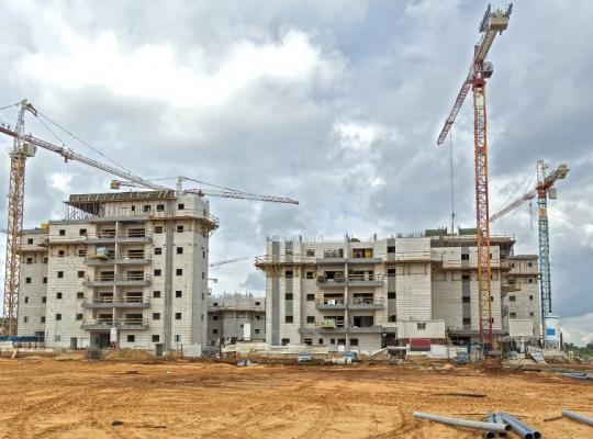 Legea care poate transforma RADICAL activitatea dezvoltatorilor imobiliari a trecut de Senat!