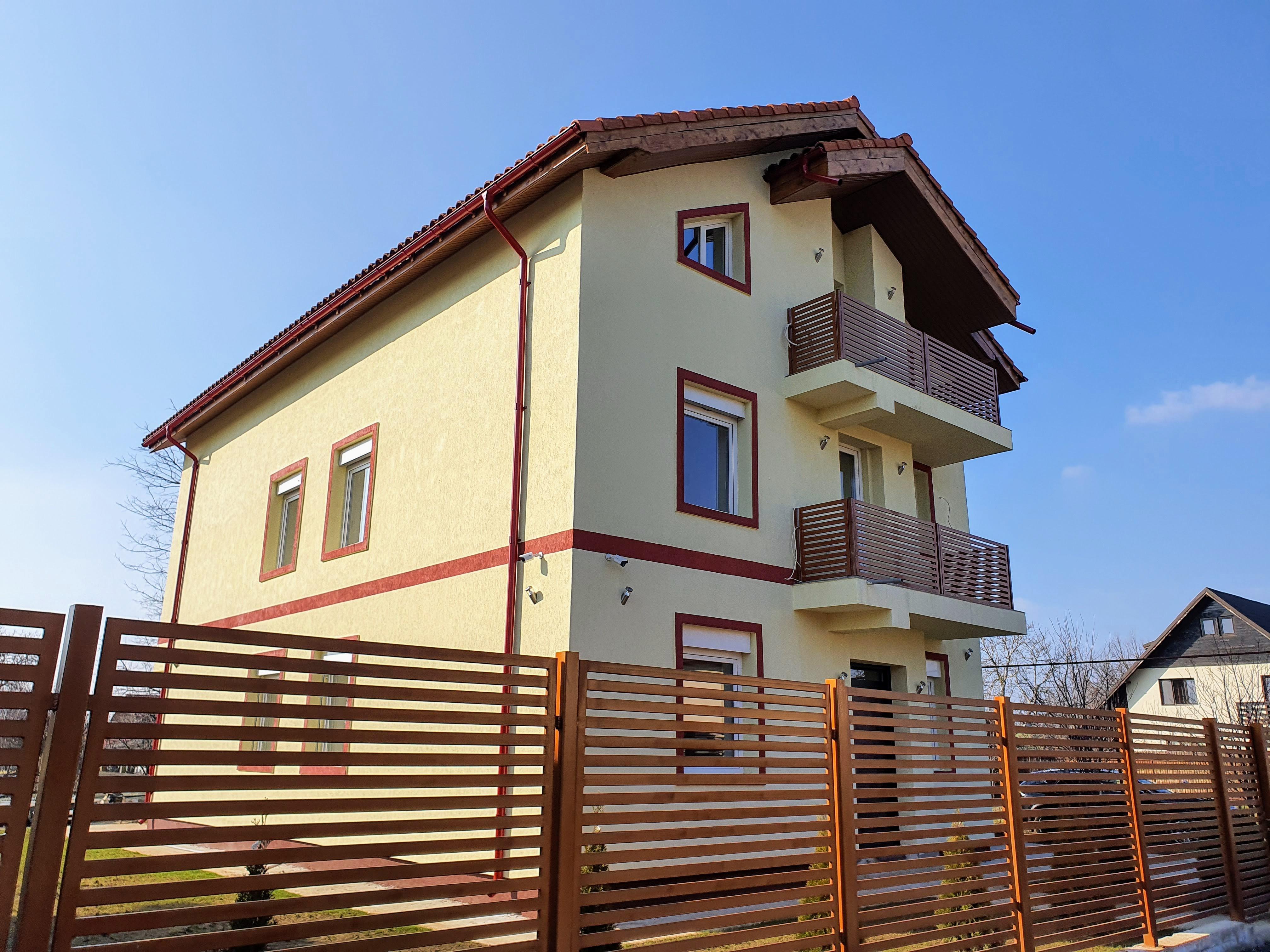 Satul de poluarea din Bucuresti? Ia-ti casa la Gruiu si respiri aer curat!