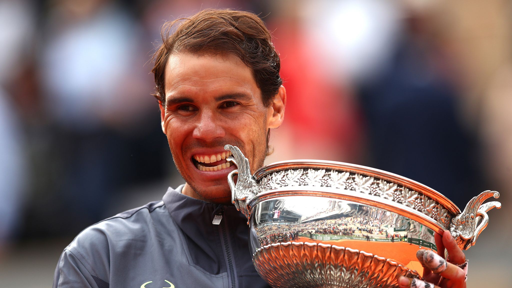 Cum isi cheltuie milioanele Rafael Nadal